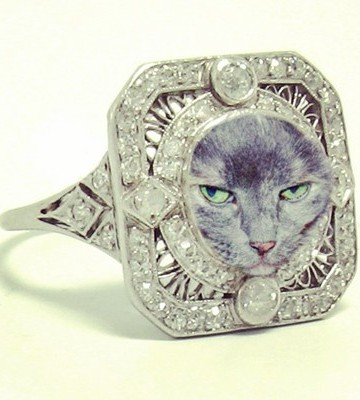 vintage-engagement-ring-cat-bread