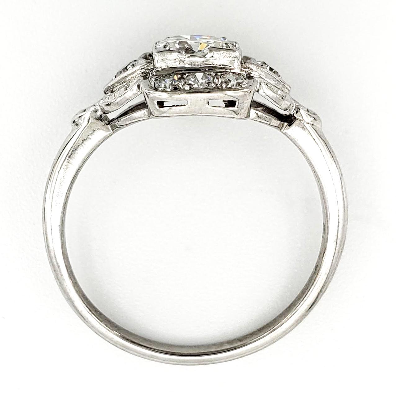 vintage-platinum-engagement-ring-with-0-50-carat-round-brilliant-cut-diamond-egl-h-vs1