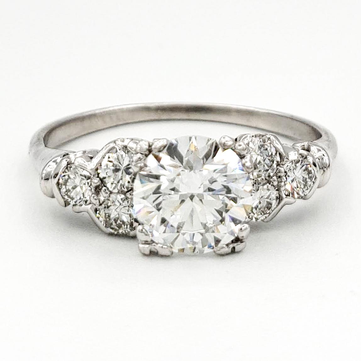 vintage-platinum-engagement-ring-with-1-00-carat-round-brilliant-cut-diamond-gia-e-si1