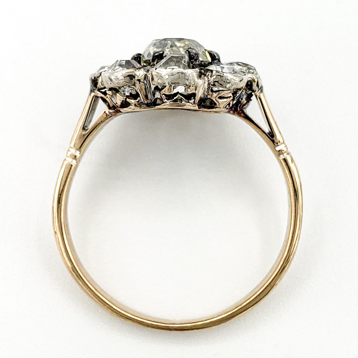 vintage-18-karat-engagement-ring-with-0-99-carat-old-mine-cut-diamond-egl-h-si2