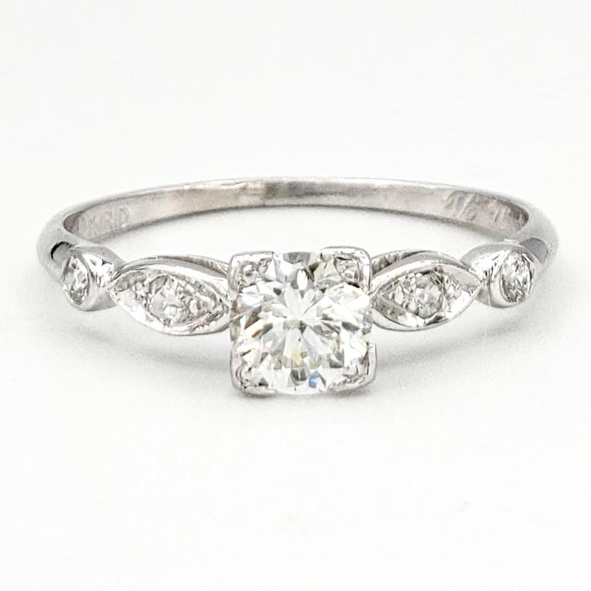 vintage-platinum-engagement-ring-with-0-33-carat-round-brilliant-cut-diamond-egl-e-vs1