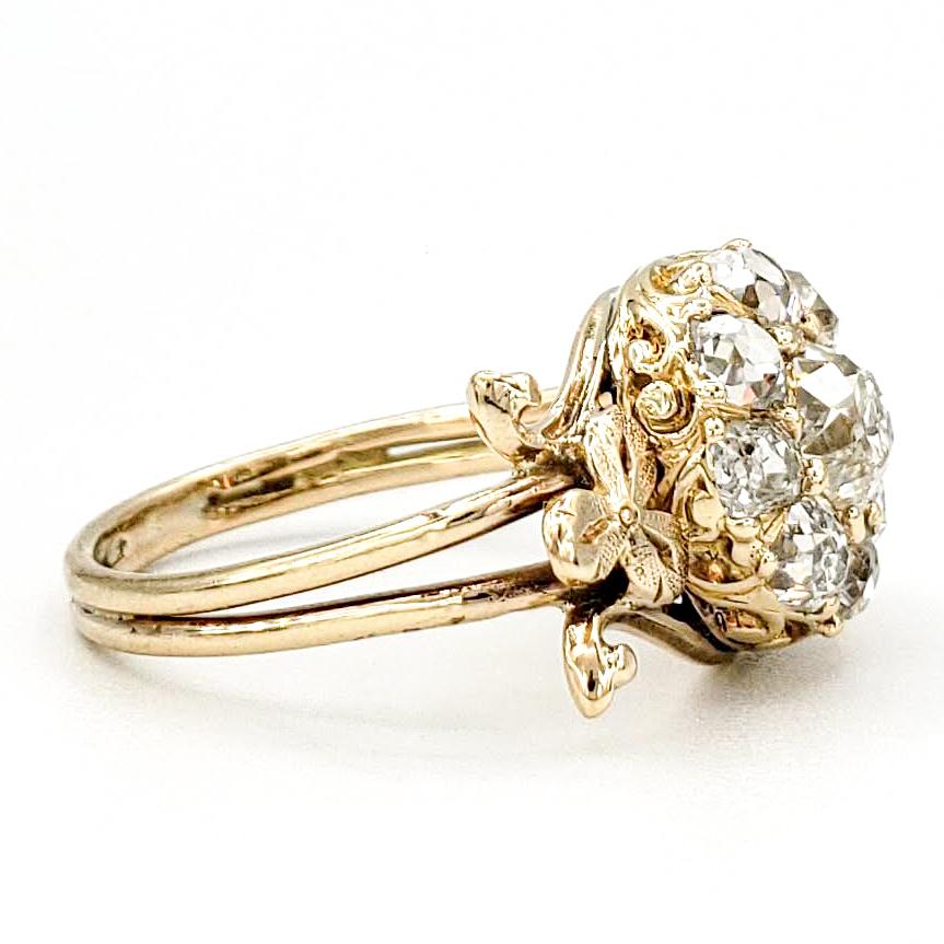 vintage-18-karat-ring-with-1-15-carats-of-old-mine-cut-diamonds