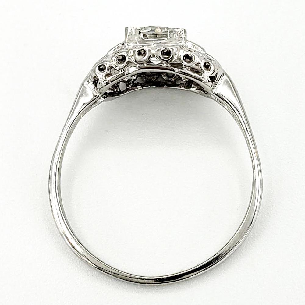 vintage-18-karat-gold-engagement-ring-with-0-67-carat-old-european-cut-diamond-egl-g-si1