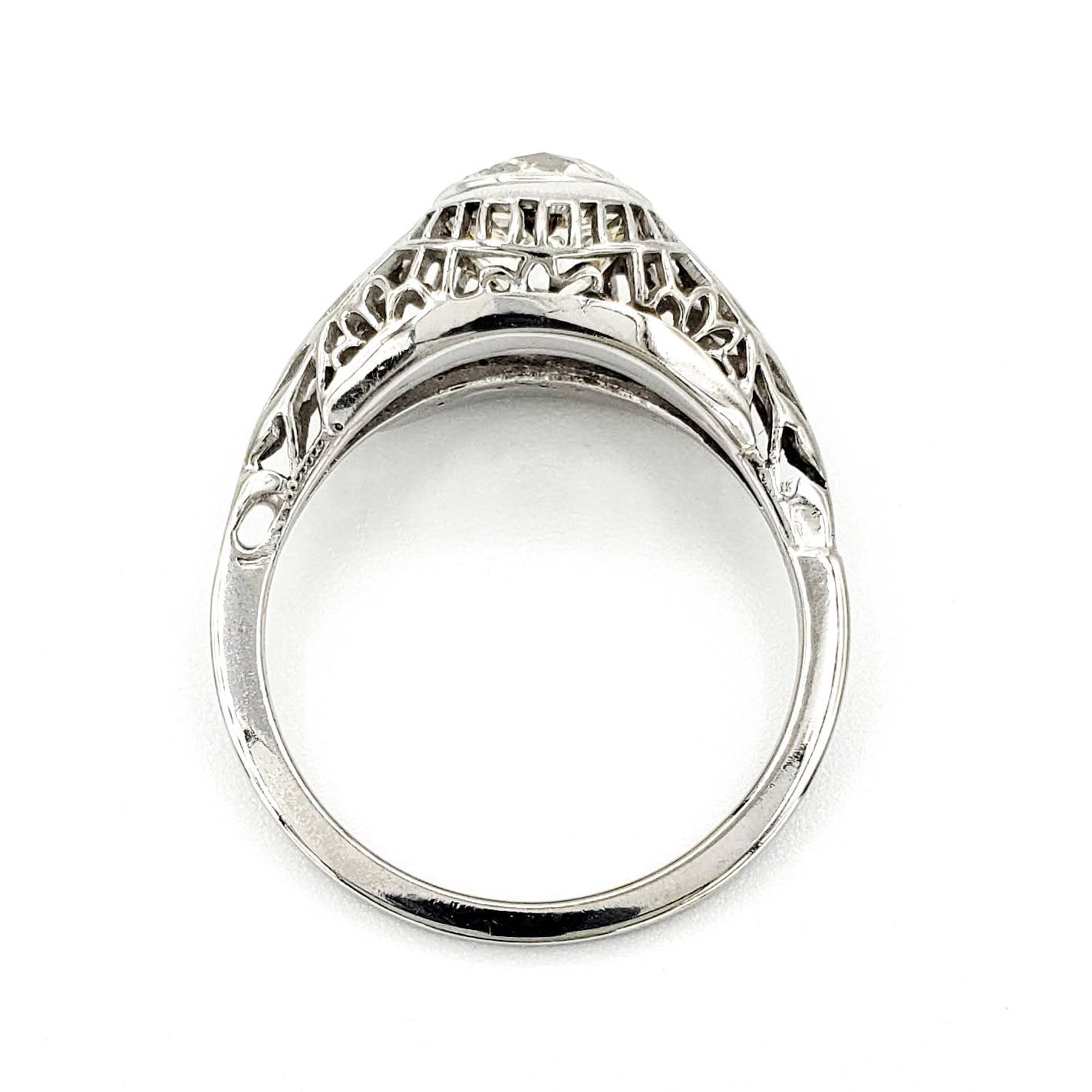 vintage-18-karat-gold-engagement-ring-with-1-46-carat-old-mine-cut-diamond-egl-j-si2