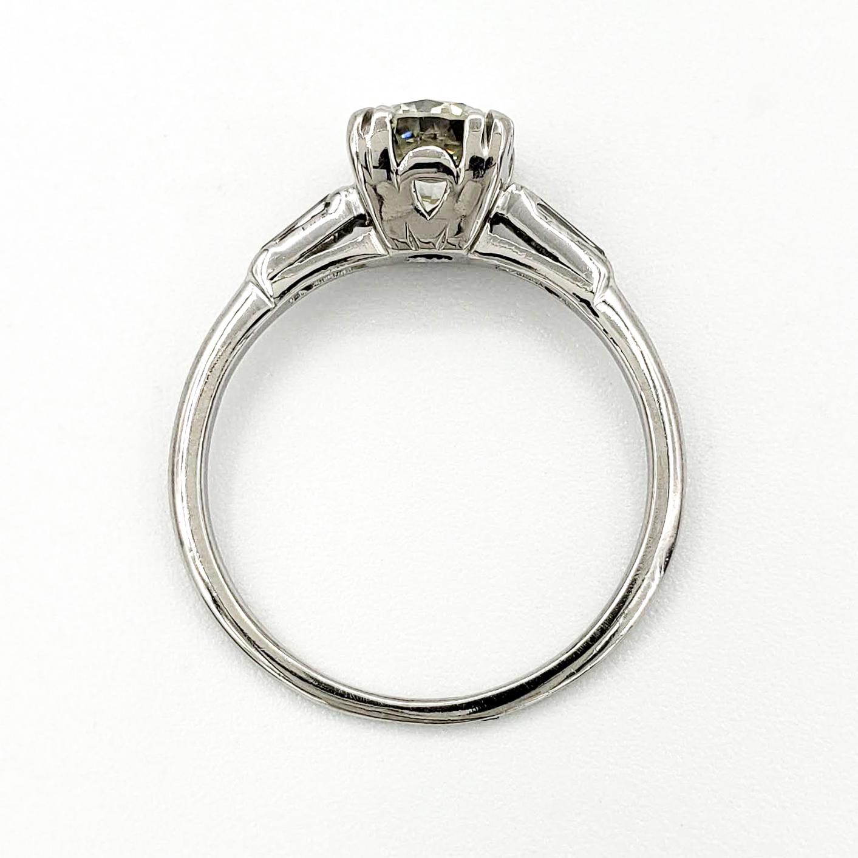 vintage-platinum-engagement-ring-with-0-92-round-brilliant-cut-diamond-egl-l-vs1
