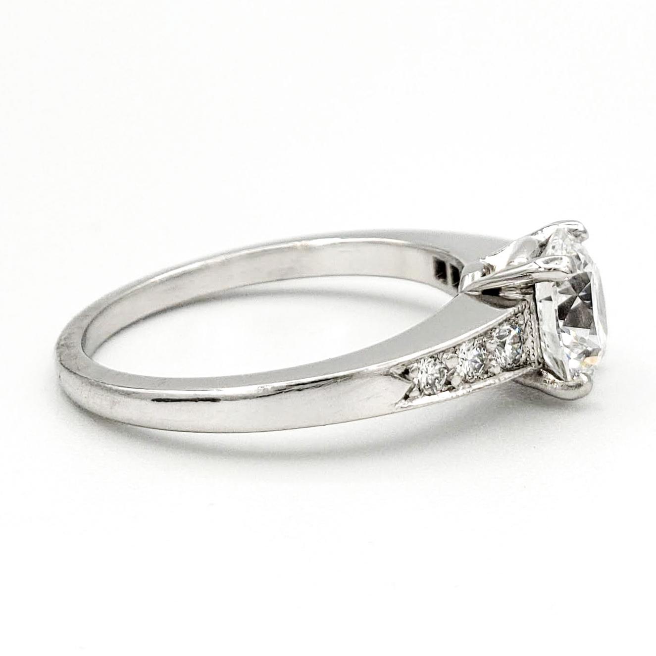 vintage-platinum-engagement-ring-with-1-04-round-brilliant-cut-diamond-gia-d-vvs2
