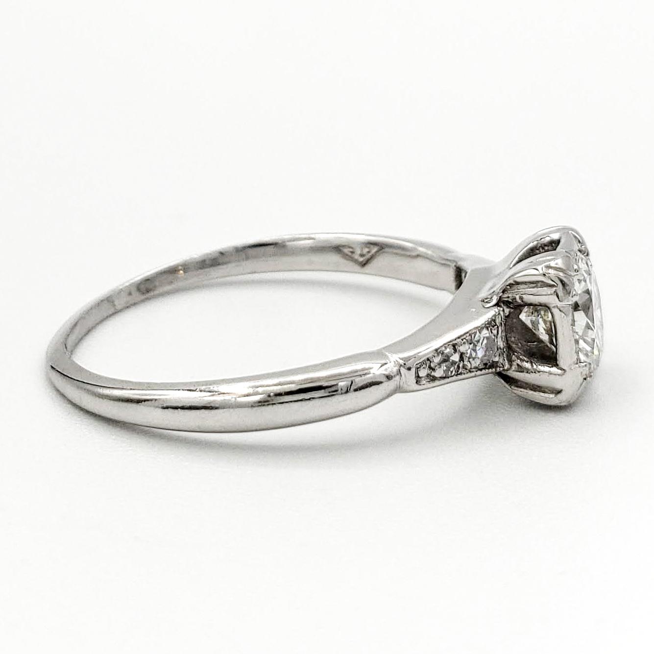 vintage-platinum-engagement-ring-with-0-44-carat-round-brilliant-cut-diamond-egl-g-vs1