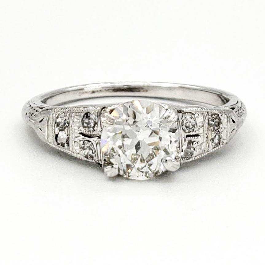 vintage-18-karat-gold-engagement-ring-with-0-71-carat-old-european-cut-diamond-egl-i-si1
