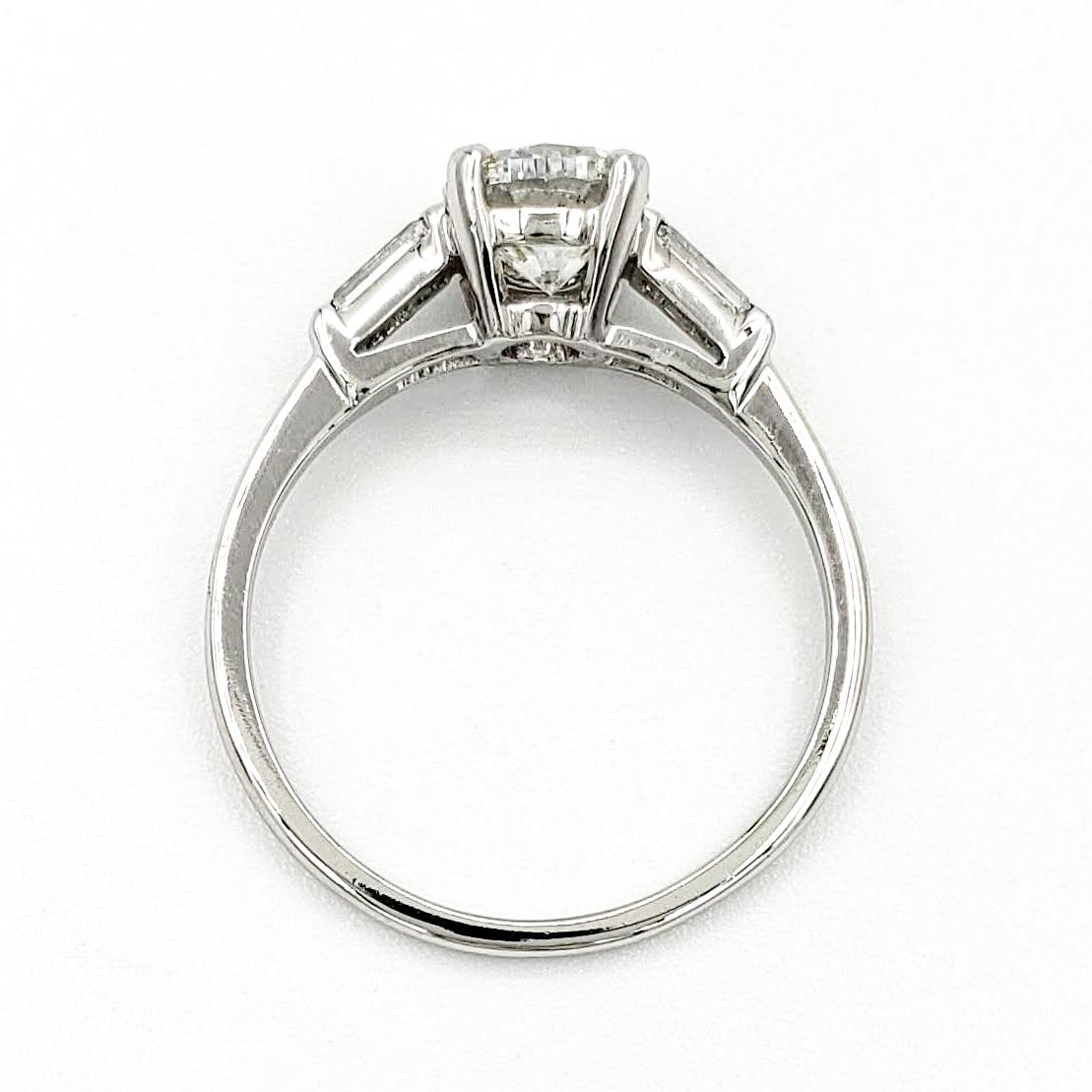 vintage-platinum-engagement-ring-with-0-96-carat-round-brilliant-cut-diamond-egl-g-si2