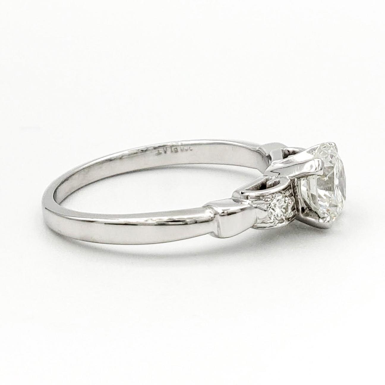 vintage-platinum-engagement-ring-with-0-63-carat-round-brilliant-cut-diamond-egl-h-si1