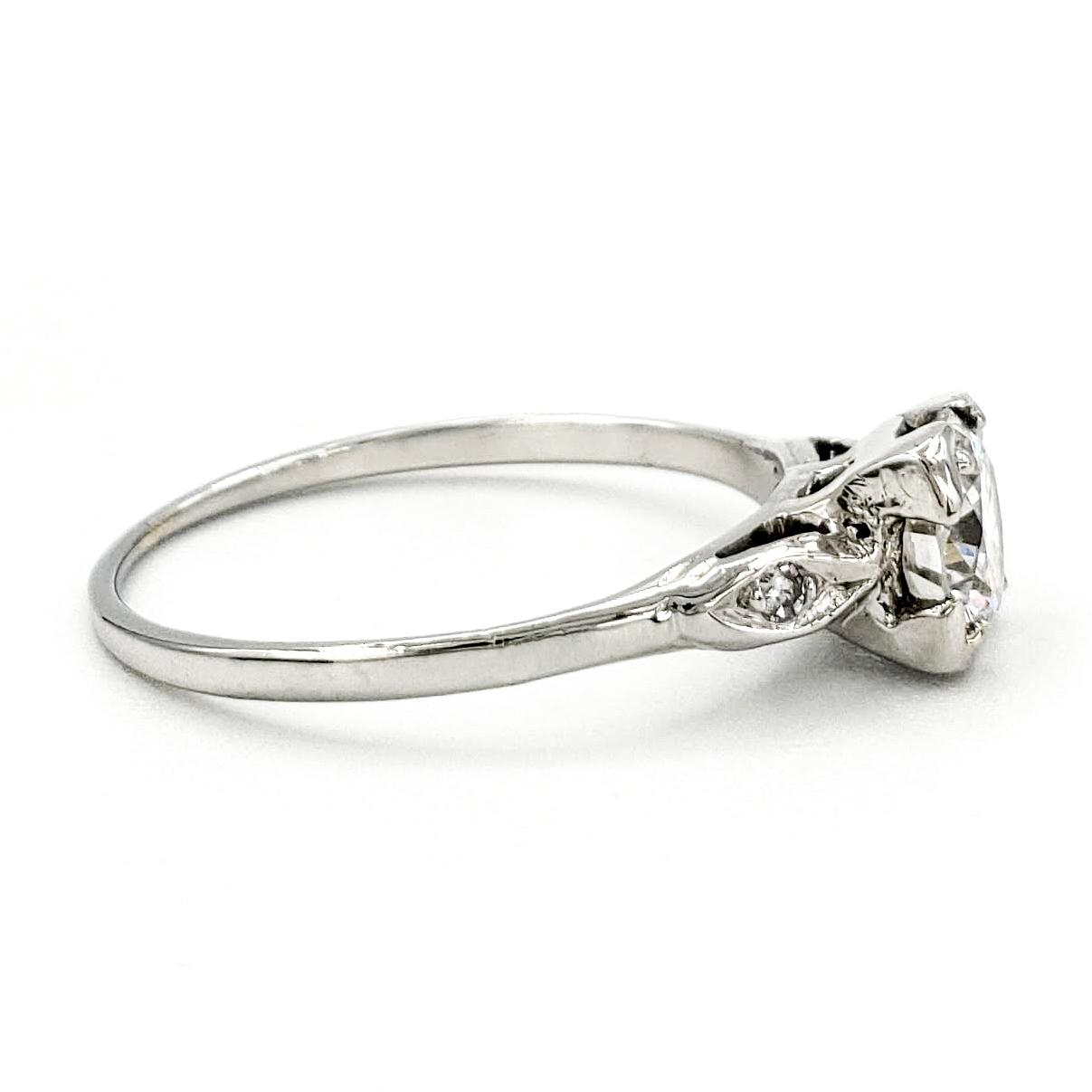 vintage-18-karat-gold-engagement-ring-with-0-58-carat-round-brilliant-cut-diamond-egl-f-vs2