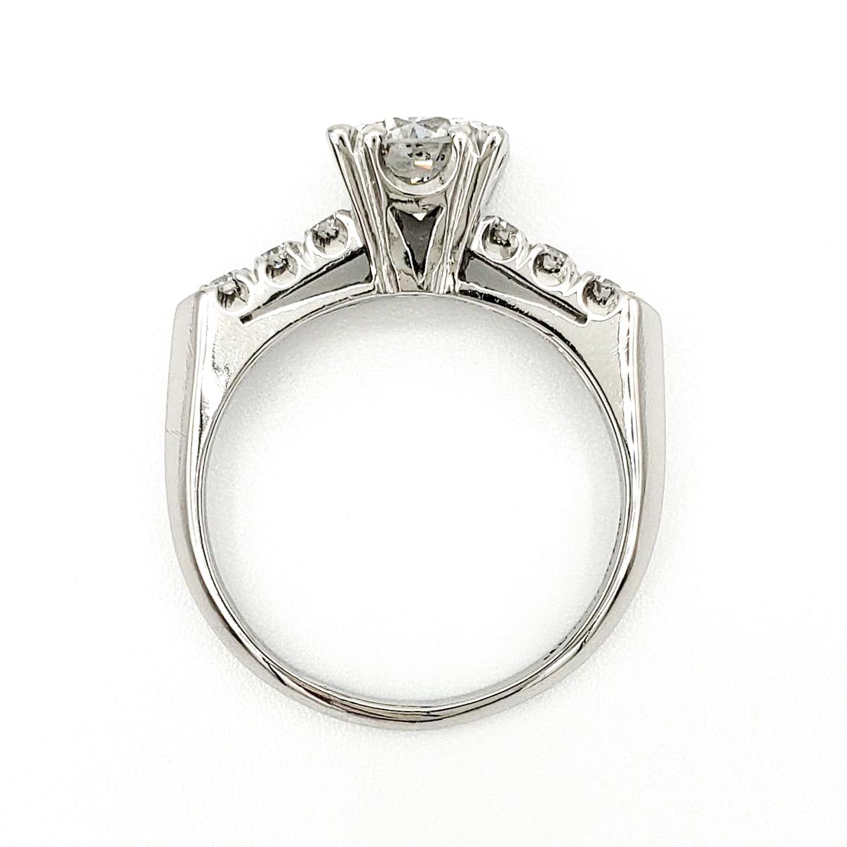vintage-platinum-engagement-ring-with-1-01-carat-round-brilliant-cut-diamond-egl-g-si1