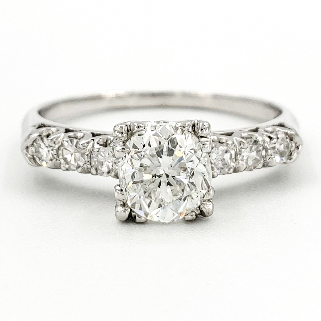 vintage-platinum-engagement-ring-with-1-01-carat-round-brilliant-cut-diamond-egl-h-si1