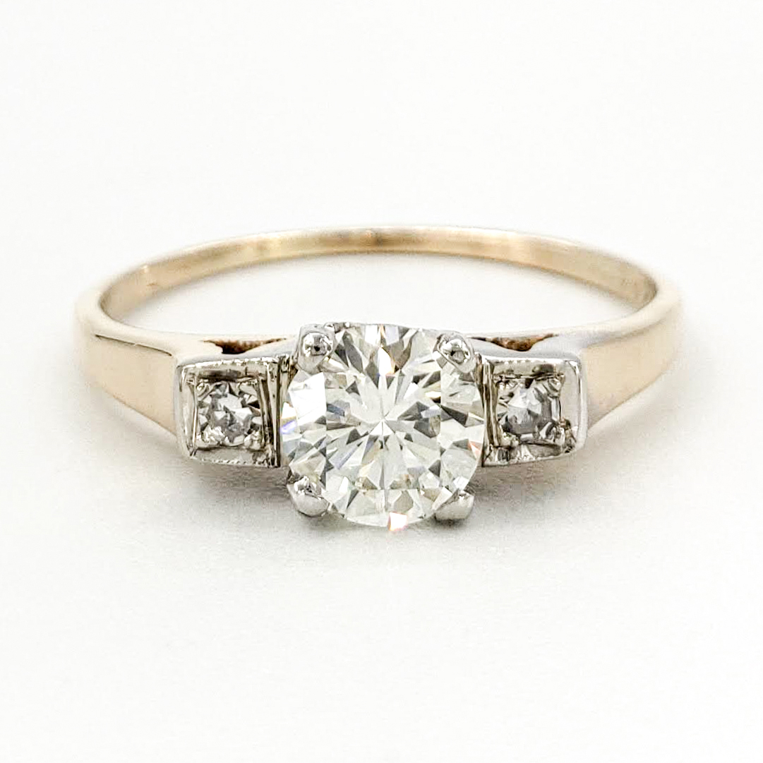 vintage-14-karat-gold-engagement-ring-with-0-45-carat-round-brilliant-cut-diamond-egl-i-vs2
