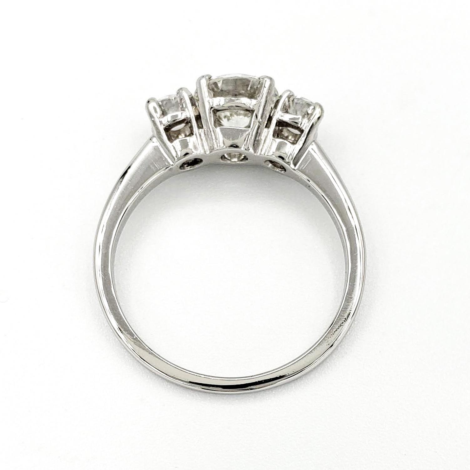 vintage-platinum-engagement-ring-with-1-01-carat-round-brilliant-cut-diamond-gia-j-vs2