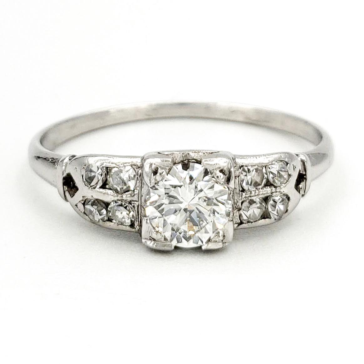 vintage-platinum-engagement-ring-with-0-37-carat-round-brilliant-cut-diamond-egl-e-vs2