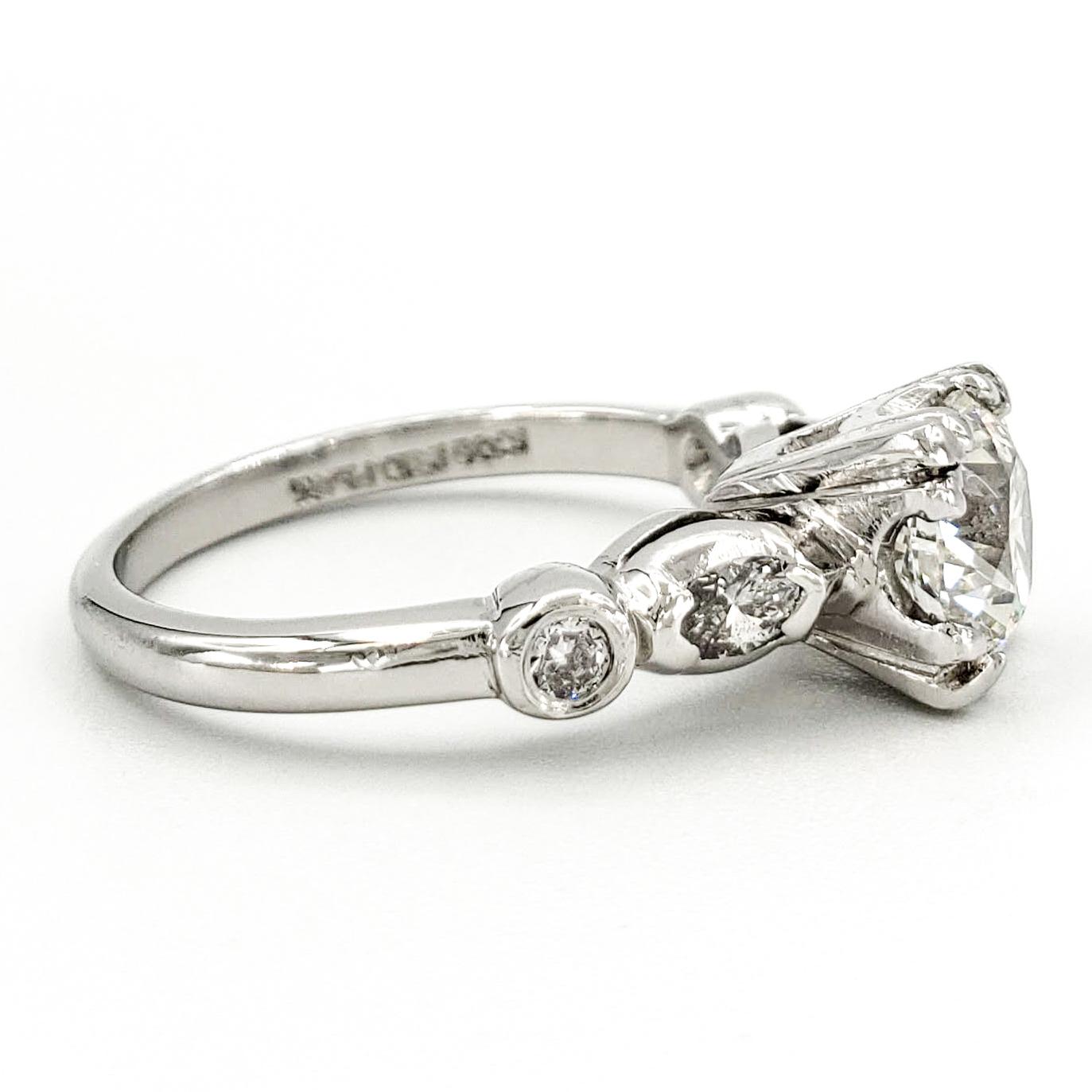 vintage-platinum-engagement-ring-with-1-05-carat-round-brilliant-cut-diamond-egl-h-si3