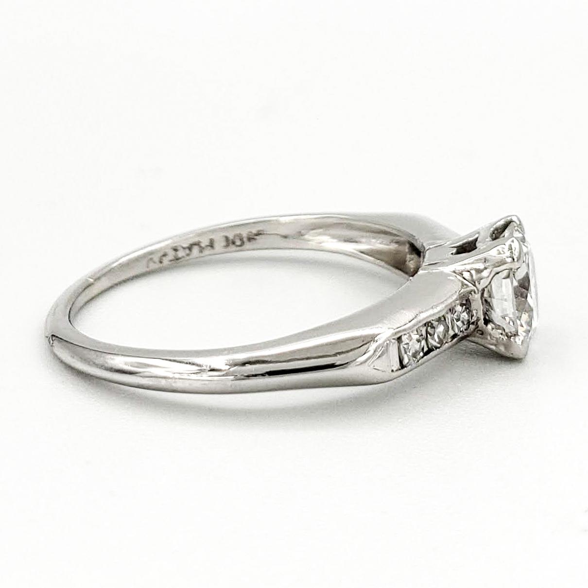 vintage-platinum-engagement-ring-with-0-45-carat-round-brilliant-cut-diamond-egl-d-vs1