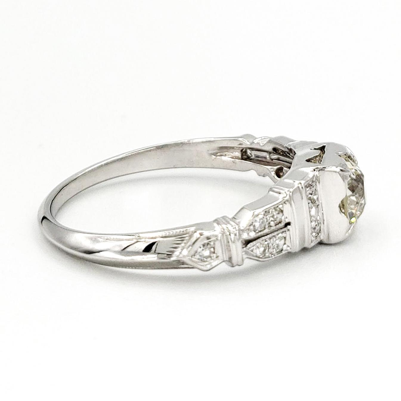 vintage-18-karat-gold-engagement-ring-with-0-51-carat-old-european-cut-diamond-egl-l-vs2
