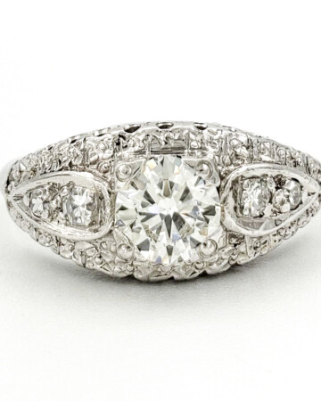 estate-platinum-engagement-ring-with-0-47-carat-round-brilliant-cut-diamond-egl-h-vs1