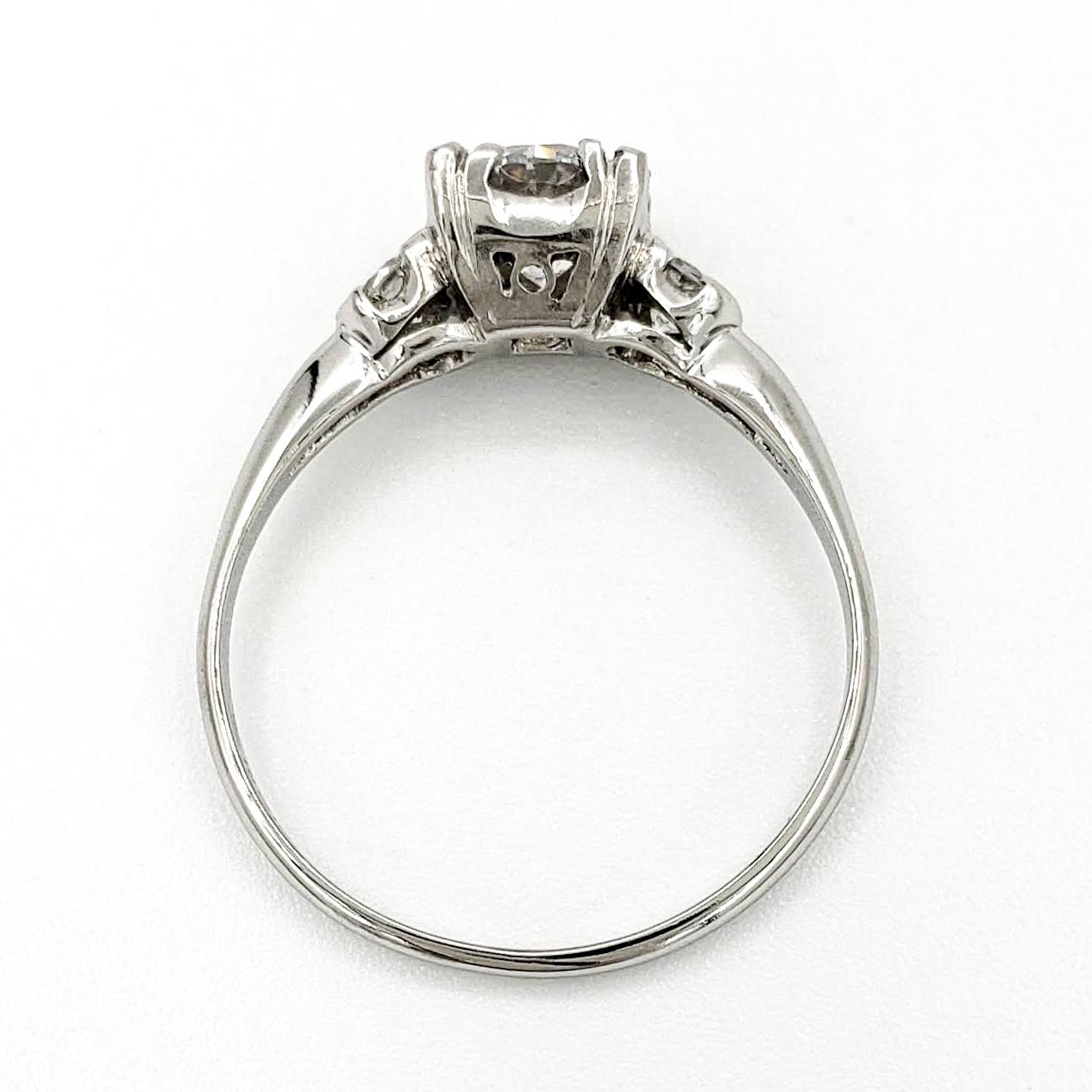 vintage-platinum-engagement-ring-with-0-70-carat-round-brilliant-cut-diamond-gia-d-if