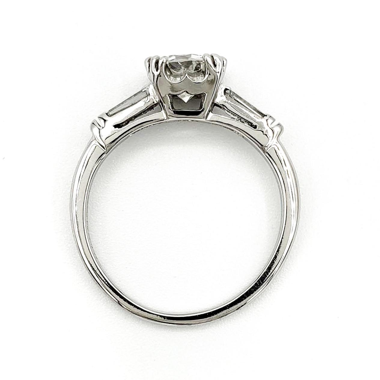 vintage-platinum-engagement-ring-with-0-87-carat-round-brilliant-cut-diamond-egl-h-vs1