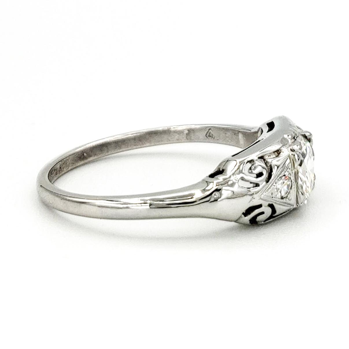 vintage-18-karat-gold-engagement-ring-with-0-35-carat-transitional-cut-diamond-egl-g-vs2