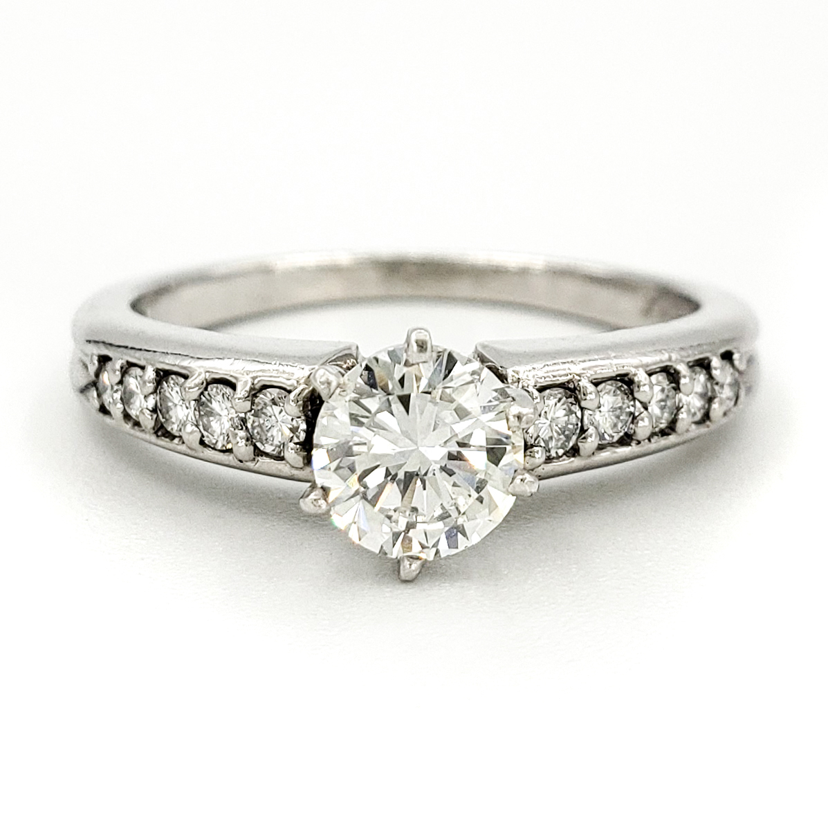 estate-platinum-engagement-ring-with-0-60-carat-round-brilliant-cut-diamond-egl-h-vs2