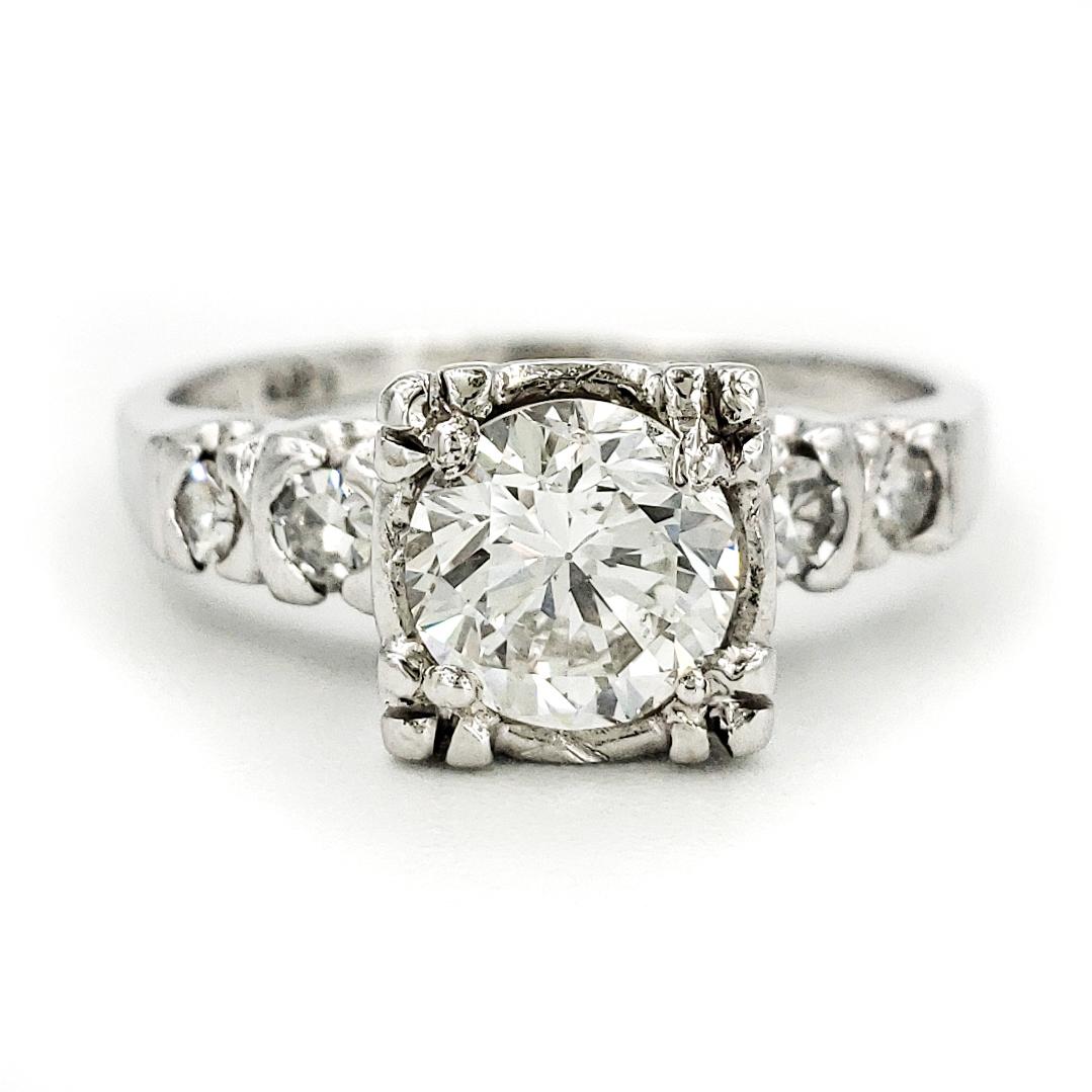 vintage-platinum-engagement-ring-with-0-77-carat-round-brilliant-cut-diamond-egl-h-vs2