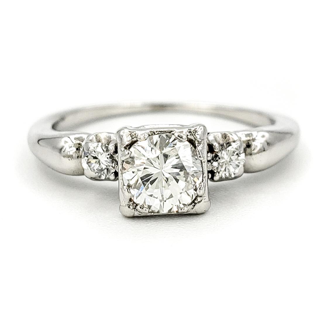 vintage-platinum-engagement-ring-with-0-44-carat-round-brilliant-cut-diamond-egl-h-vs2