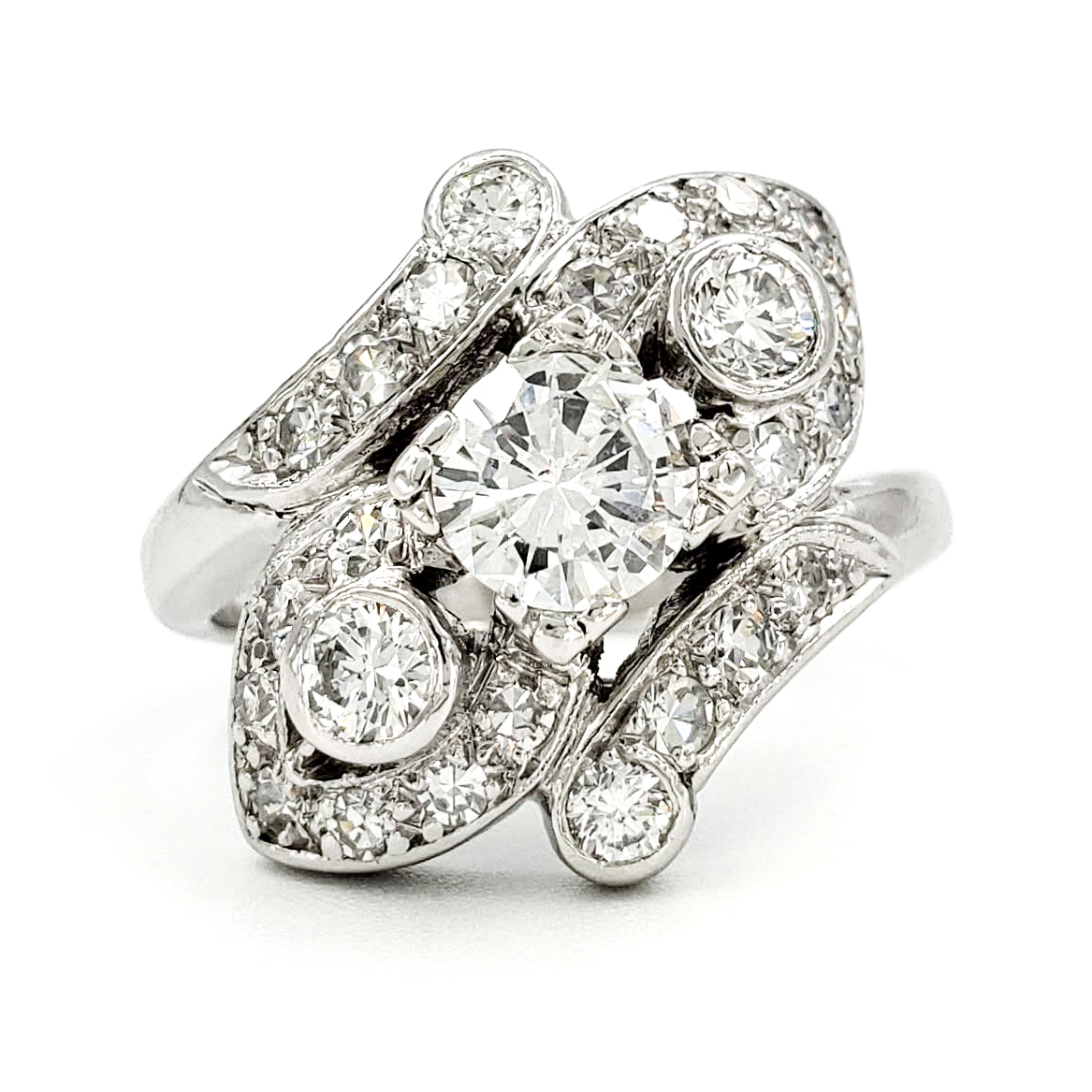 vintage-platinum-engagement-ring-with-0-58-carat-round-brilliant-cut-diamond-egl-e-si1