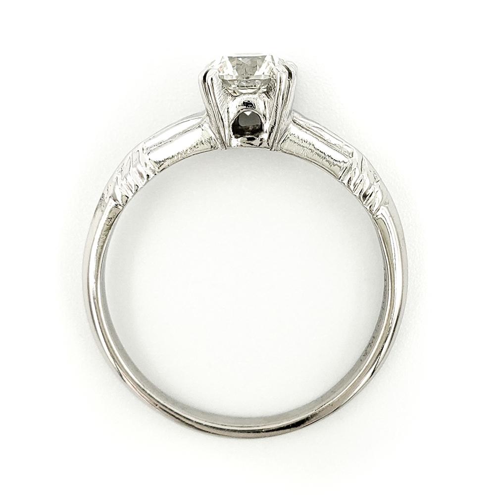 vintage-platinum-engagement-ring-with-0-83-carat-round-brilliant-cut-diamond-egl-h-si1