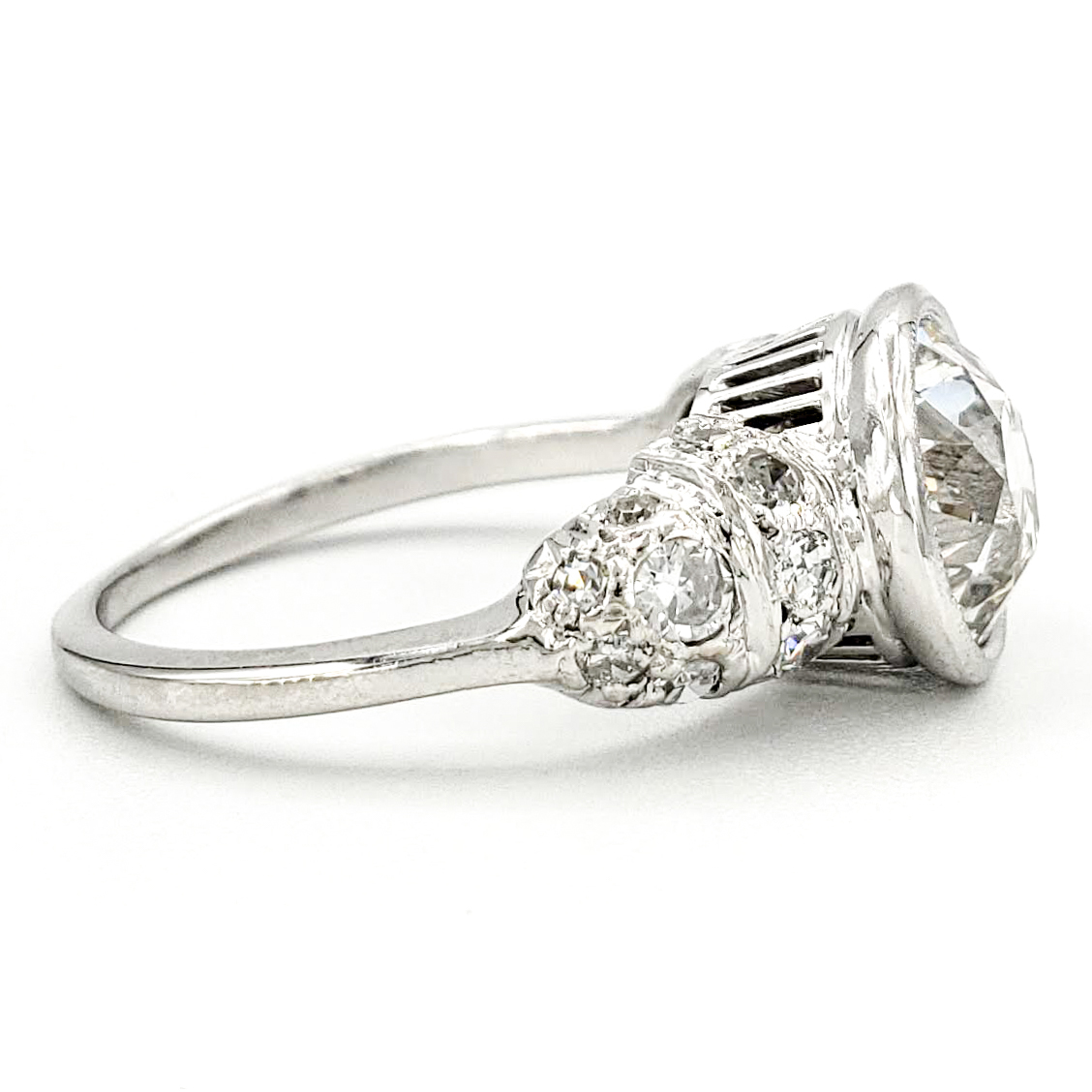 vintage-platinum-engagement-ring-with-1-85-carat-old-european-cut-diamond-egl-h-si1