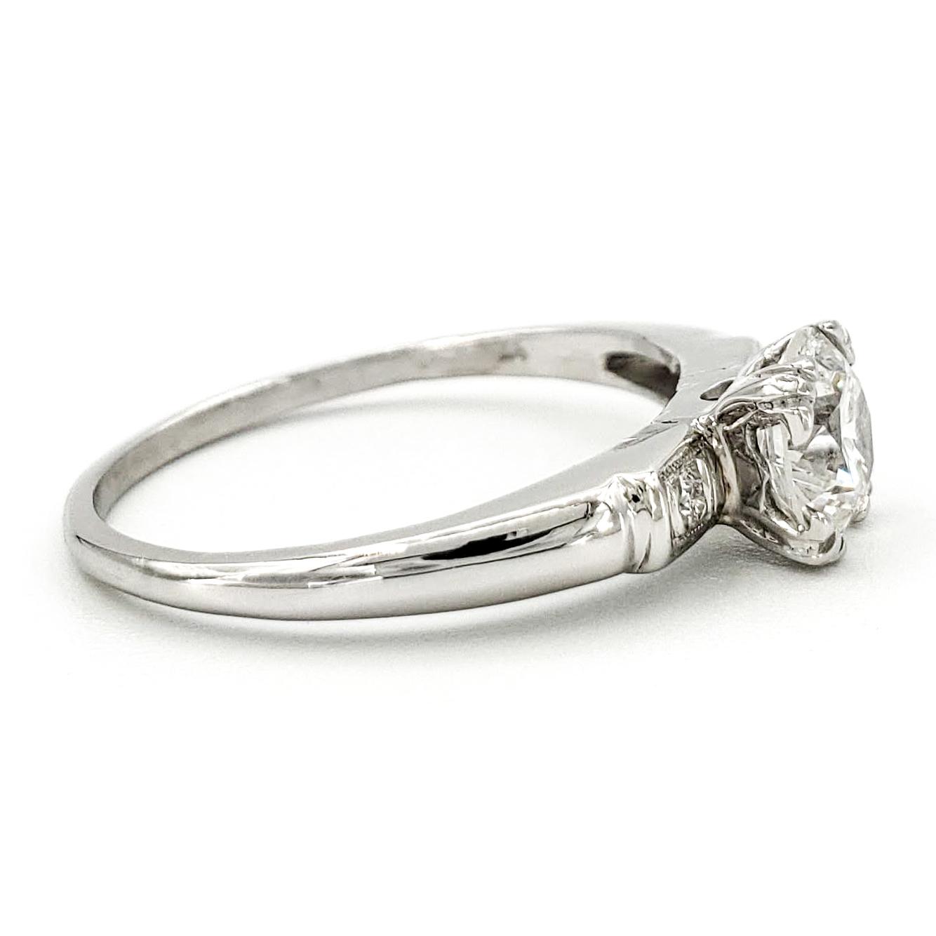 vintage-platinum-engagement-ring-with-0-70-carat-round-brilliant-cut-diamond-egl-f-si1