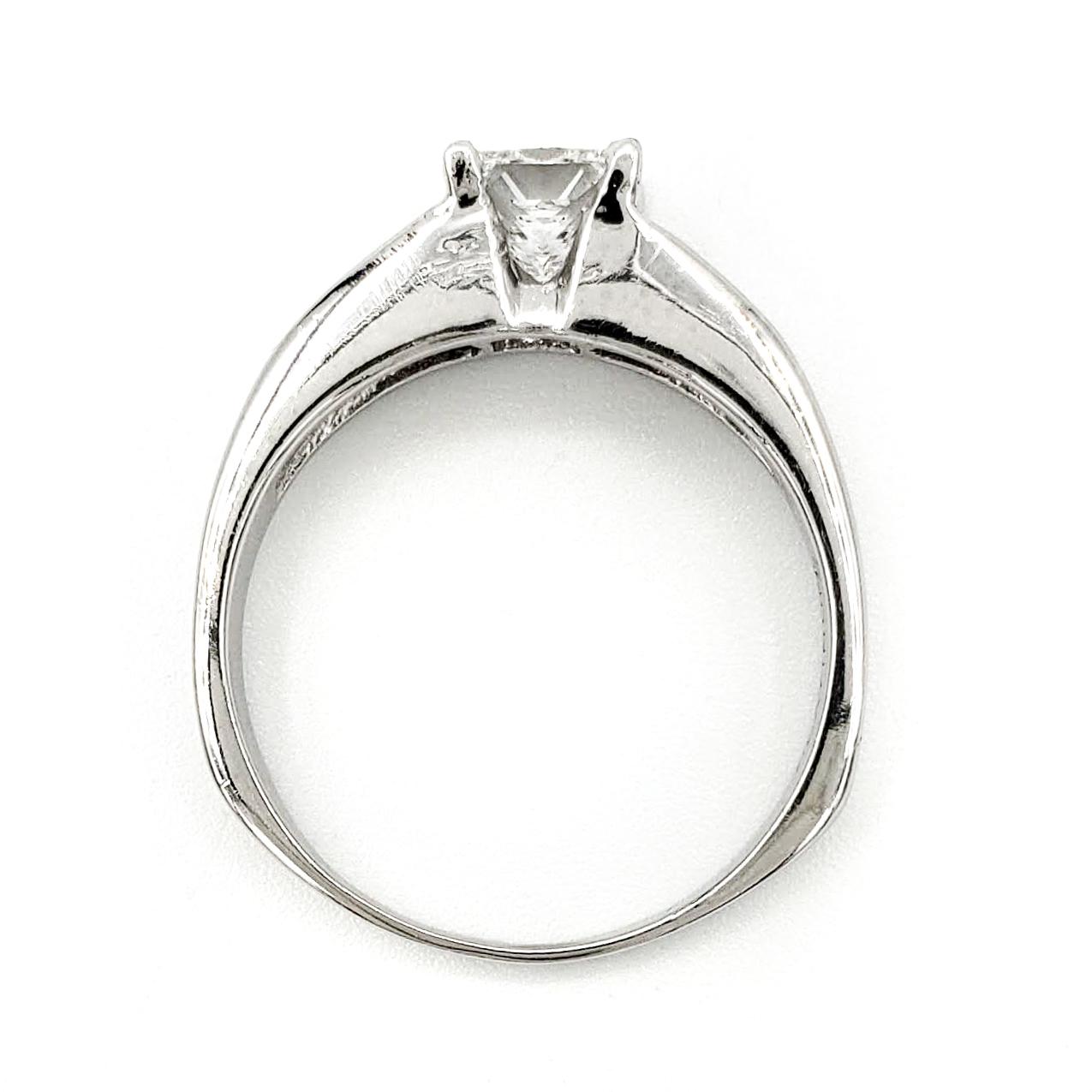 estate-platinum-engagement-ring-with-0-72-carat-princess-cut-diamond-gia-e-vs1