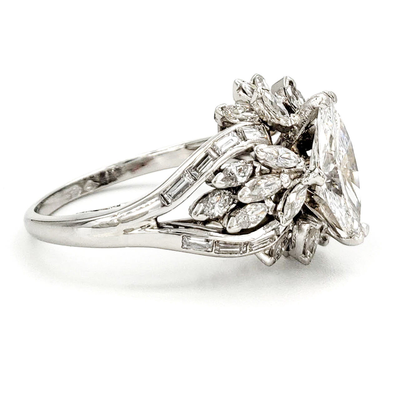 vintage-platinum-engagement-ring-with-0-89-carat-marquise-cut-diamond-gia-e-si1